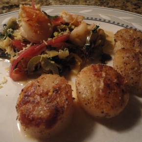 "Seared scallops with spicy zucchini ""noodles"" and shrimp… plus wine pairings"