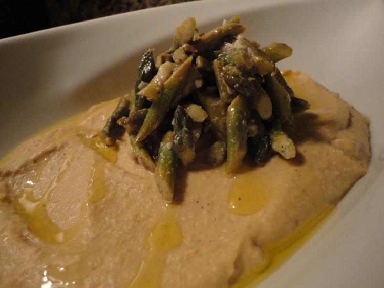 Hummus with Asparagus Salad (vegan & gluten free)